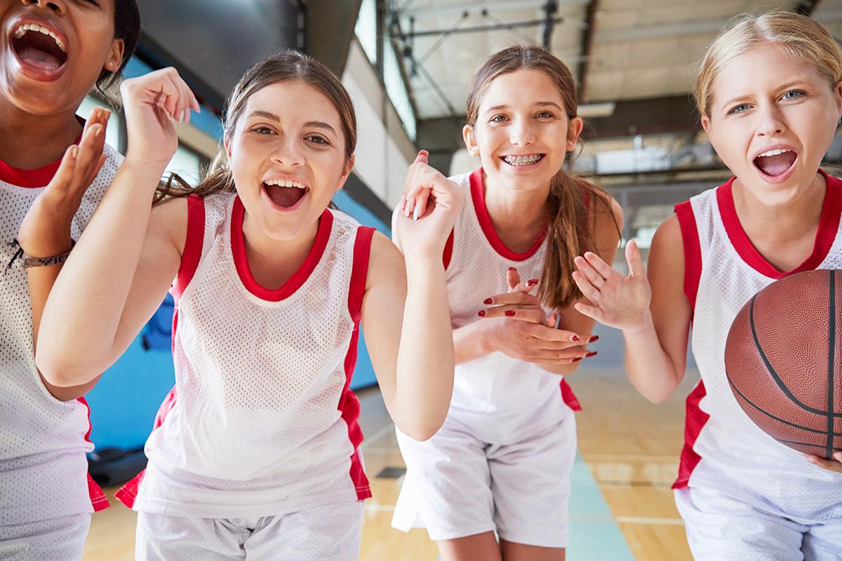 portrait-of-female-high-school-basketball-team-FANPTSQ